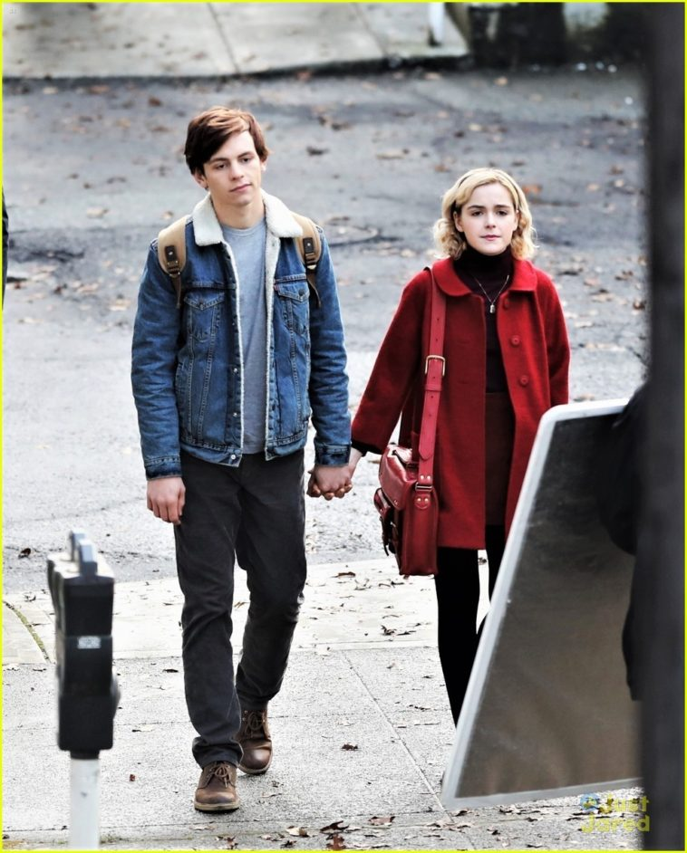 chilling adventures of sabrina netflix serial 2018 online